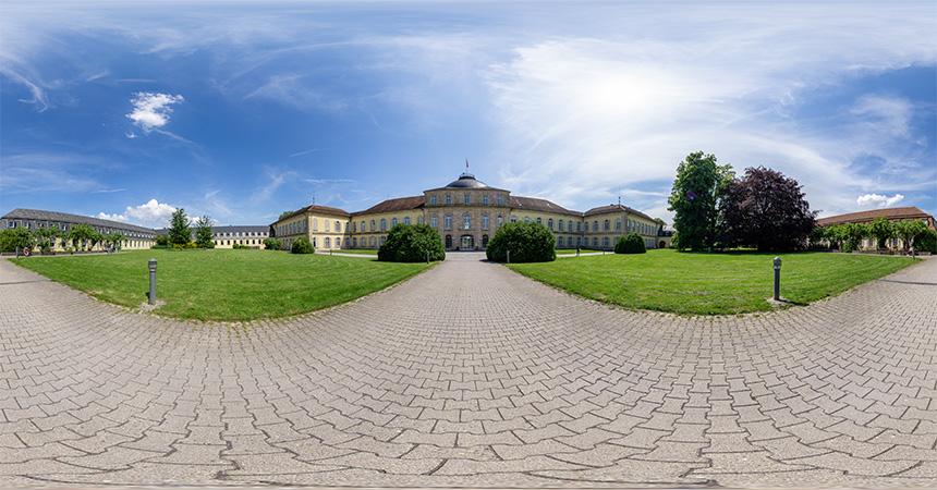 360°-Panorama Schloss Hohenheim in equirektangularer Darstellung